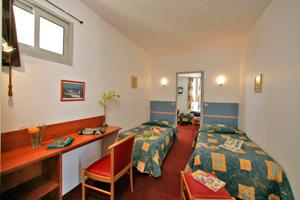 Accueil hotel de la plage st palais sur mer for Chambre 13 tahiti plage